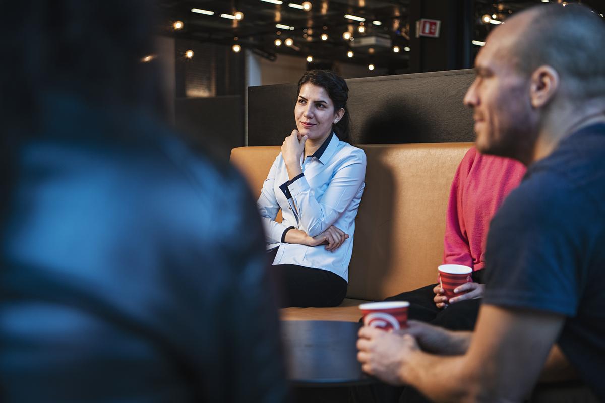 Fire kolleger i samtale