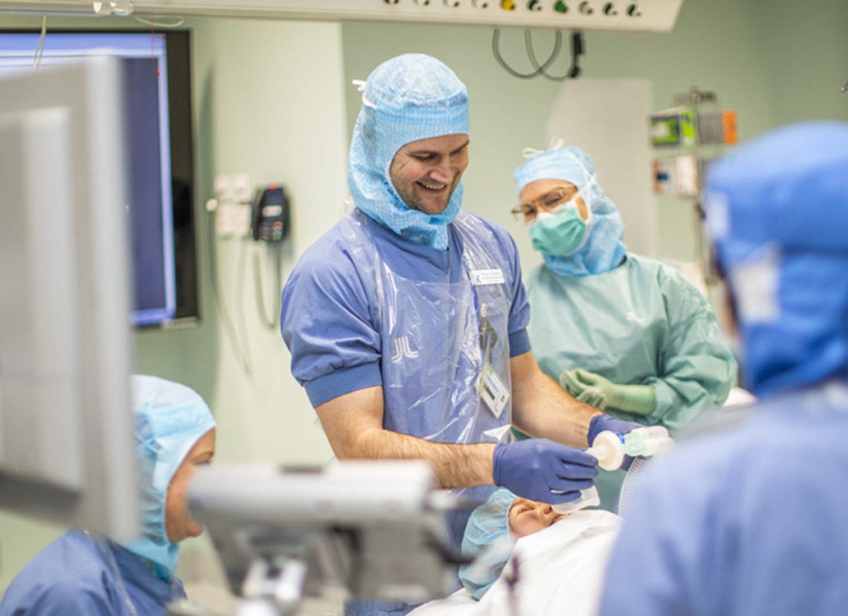 ME Perioperativ medicin Solna, Operation, Anestesisjukskoterska.jpg