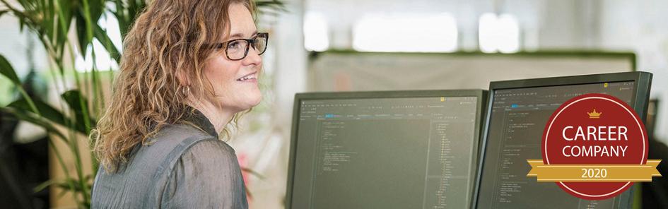 Programmer_coding_varbi-career.jpg