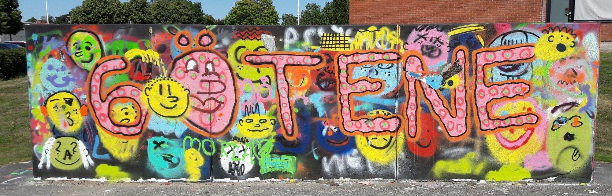 Graffittimålning vid skateparken i Götene